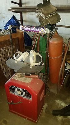 Kramer 225 AMP ARC WELDER with Torch, Hoses, 2 tanks eye protection and gloves