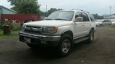 2001 Toyota 4Runner  2001 Toyota 4 runner 4x4 Ultra Clean and maintained! Runs, drives. 308k miles!