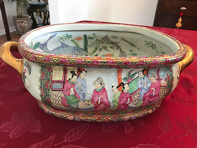 Old Chinese oriental fish bowl, Rosemedallion Double Handled Bowl