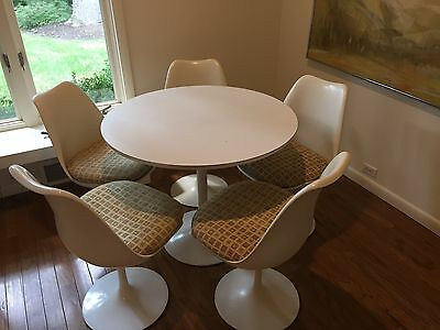 Genuine Knoll Dining Set With 5 Chairs