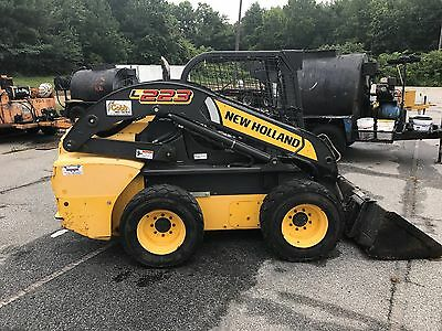 2011 New Holland L223-T4B Skid Steer Loader