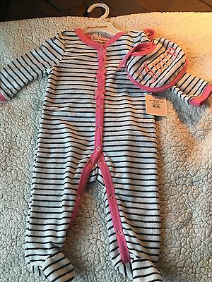 Juicy couture baby girl Layette 3-6 months with bib