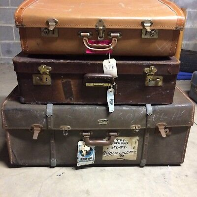 3 Vintage Suitcases (large)