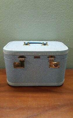 VINTAGE 1950's BABY BLUE TOWNCRAFT RETRO OLDIE CAR ACCESSORY MAKE-UP TRAIN CASE