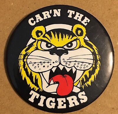 CAR'N THE TIGERS  Tin Badge