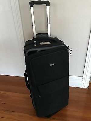 THINK TANK PHOTO LOGISTICS MANAGER 30 Camera Rolling Bag - High Volume