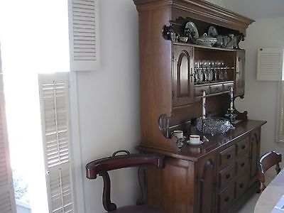 Dining room set: sideboard, table, chairs, EUC
