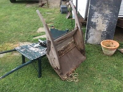 Primitive Early Large Scoop / Shovel , Farm Country , Metal & Wood , Square Nail
