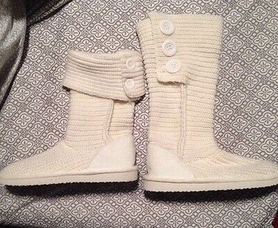 NEW Women's Slippers Booties Shoes Rue 21 Etc. White Size M
