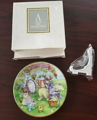 Vintage Avon 1994 All Dressed up Easter Plate