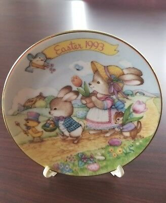 Vintage Avon 1993 Easter Parade Plate with Stand