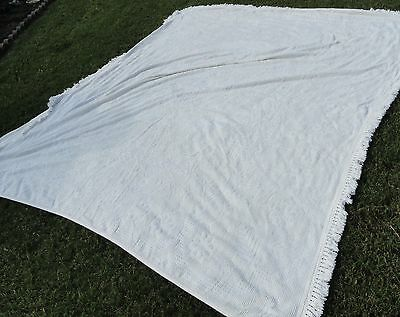vintage white chineel bed spread 110 x 91 2 pulls