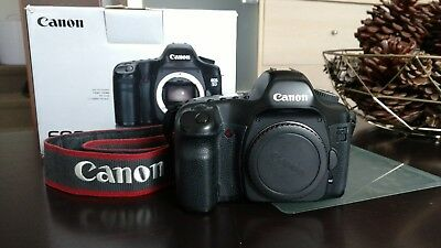 Canon  EOS 5D mark I body and 64gb memory card