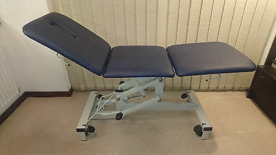 Physiotherapy plinth. Physio 2000 Model 503 3 Section Couch.