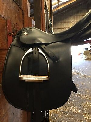 16.5 Medium Tree Karl Niedersuss Dressage Saddle SHORT FLAPS GREAT condition!