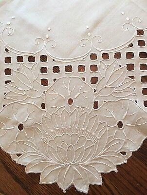 """Small Vintage Cream Embroidered Linen Tablecloth With Cutwork~31"""" Square"""