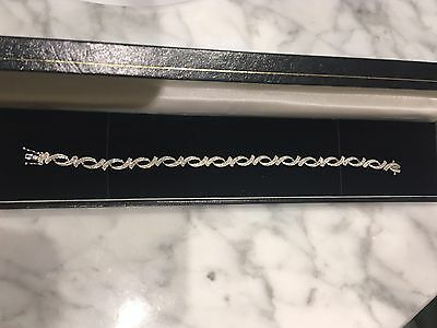 9ct, 9k, 375. White Gold, Diamond Bracelet 7 1/4 inch(18.5cm)