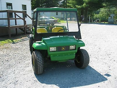 JOHN DEERE E GATOR Excellent condition. 8 brand new batteries. Very fast