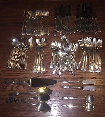 1847 Rogers Bros. ADORATION 128 Piece Silverplate Silverware Flatware Lot