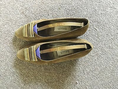 Vintage Bally  38 5.5 green suede shoes
