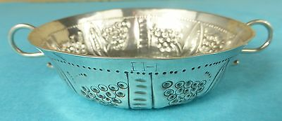 Rare Commonwealth Period Sterling Silver Wine Taster Bowl Grapes London 1654