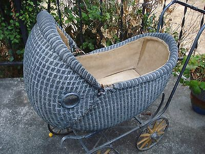 """VINTAGE """" KUMFY-KAB CO. """" BABY BUGGY - WICKER in GREAT SHAPE - PRICED 2 SELL"""