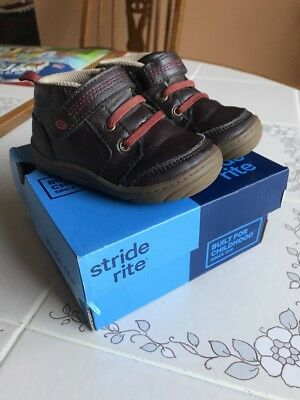 Toddler Boys Stride Rite Size 5 Brown Boot/Shoes