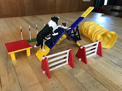 Breyer Dog Agility Set #1504 With Dogs