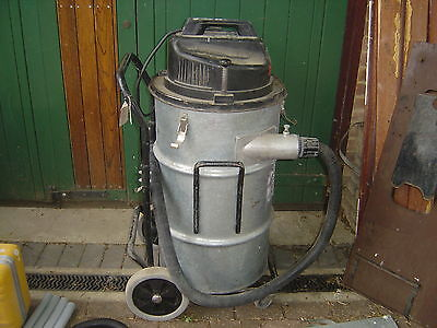 Numatic INDUSTRIAL NTD20003-2 Vacuum Cleaner dust extractor twin motor 240v 2.5W