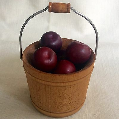 Miniature 1:6 Wooden Bucket With Large Apples - Nice Accessory With Carolers