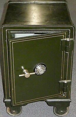 ANTIQUE FREE-STANDING SAFE. Hunt Green w/Gold Trim.200 lb. EXT+INT WORKING LOCKS