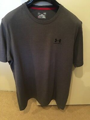 Men's Under Armour T-Shirt - Large - Grey - In Excellent Condition