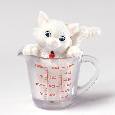 Enesco Charming Purrsonalities You're The True Measure of a Friend Figurine, 3.6