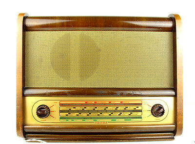 1952 vintage Ferguson Radio: 353A in full working order and very nice used cond.