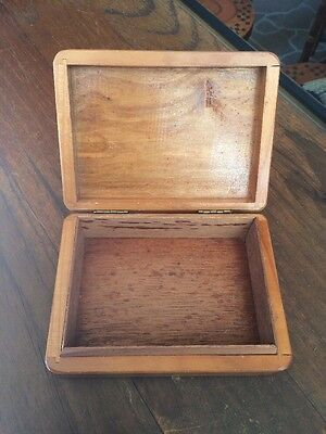 """Vintage Wooden Cigar Box. Made In Holland """"brabant"""". Holds 10 Cigars"""