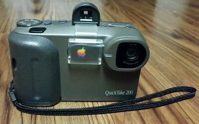 Apple QuickTake 200 - Digital camera - compact- 0.35 Mpix- supported memory: SM