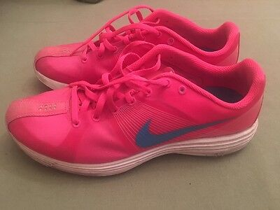 Ladies Nike Lunaracer Runners - size 9 US   -  as new