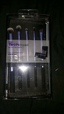 Set Real Techniques eye brush set..BROUGHT FROM BOOTS..GENUINE