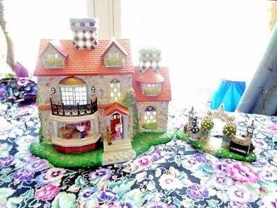 PartyLite Village Olde World  #3 Bristol Tealight House - Pristine Condition