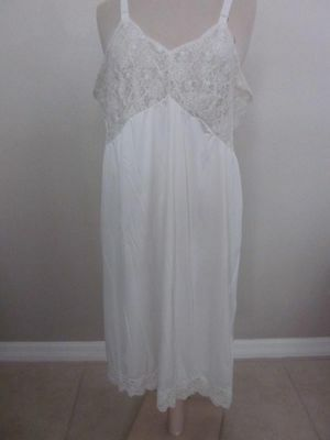 Ivory Slip Gown  Nylon   size 42  original vintage condition