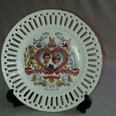 HRH PRINCE CHARLES AND LADY DIANA SPENCER wedding commemorative ribbon plate