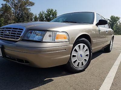 2004 Ford Crown Victoria Street appearance police package 2004 Ford Crown Victoria P71 Police Street Apperance sharp
