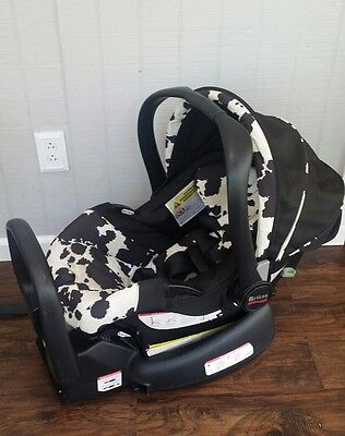 Britax Chaperone Baby Infant Car Seat with Base Moolaflauge Print  2011 EUC
