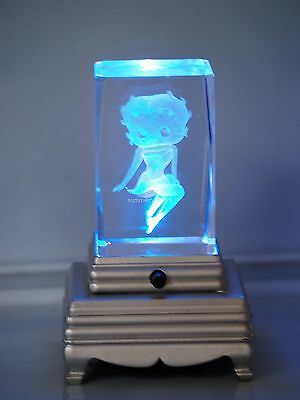 Betty Boop Crystal  : 3D Laser W/Base (Base will vari from picture)