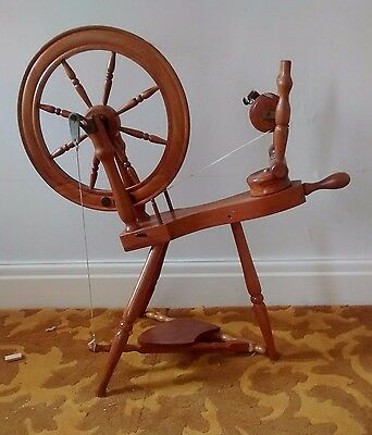 Beautiful Wooden Spinning Wheel, with six ratios