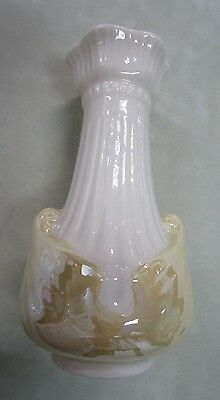 Belleek Full Luster Vase with 6th Green Mark (1965 -1980)
