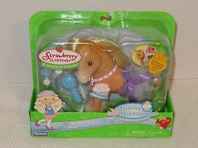 2006 Playmates Strawberry Shortcake Berries to Blossoms Angel Cake's Pony