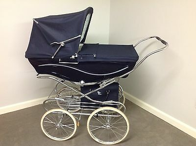 Vintage Silver Cross Kensington Navy Pram. Excellent condition!