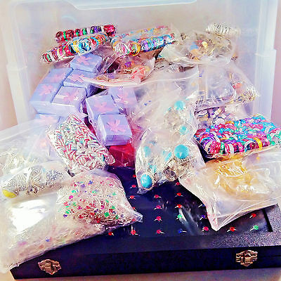 Crate of 3,581 RINGS - huge selection, ideal for market/car boot. RRP £3,350+