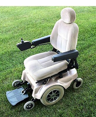 power wheelchair Jazzy 1120 very nice condition new 55 amp batteries work horse